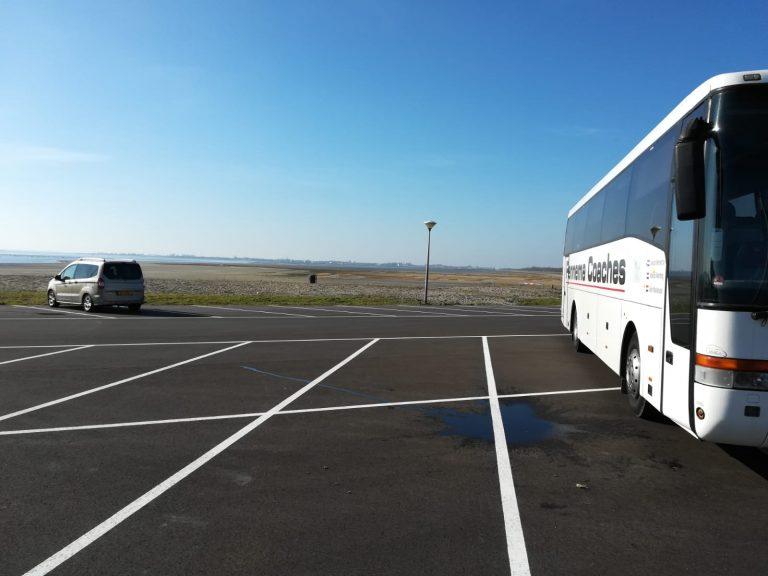Fennema bus op parkeerplaats Noord Beveland